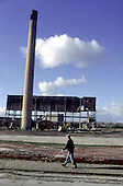 Demolition of the Grimethorpe coal-fired power station following the closure of Grimethorpe colliery.  South Yorkshire, 11/94.