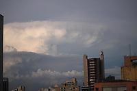 Campinas (SP), 11/03/2021 - Clima/tempo - Nuvens carregadas são vistas no final da tarde desta quinta feira (11) em Campinas