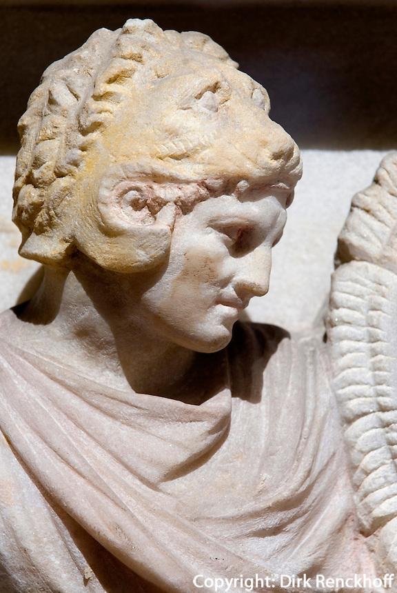 Türkei, Alexandersarkophag im archäologischen Museum (Archeoloji Müzesi)  in Istanbul,  der Sarkophag stammt aus der Nekropole Sidon im Libanon (4.Jh. v.Chr.), Darstellung des Alexander