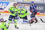 Torschuss zum 2:1, Daniel Pietta (Nr.86 - ERC Ingolstadt), Felix Schütz (Nr.11 - Adler Mannheim) und Torwart Michael Garteig (Nr.34 - ERC Ingolstadt) beim Spiel in der Gruppe Sued der DEL, Adler Mannheim (dunkel) - ERC Ingolstadt (hell).<br /> <br /> Foto © PIX-Sportfotos *** Foto ist honorarpflichtig! *** Auf Anfrage in hoeherer Qualitaet/Aufloesung. Belegexemplar erbeten. Veroeffentlichung ausschliesslich fuer journalistisch-publizistische Zwecke. For editorial use only.