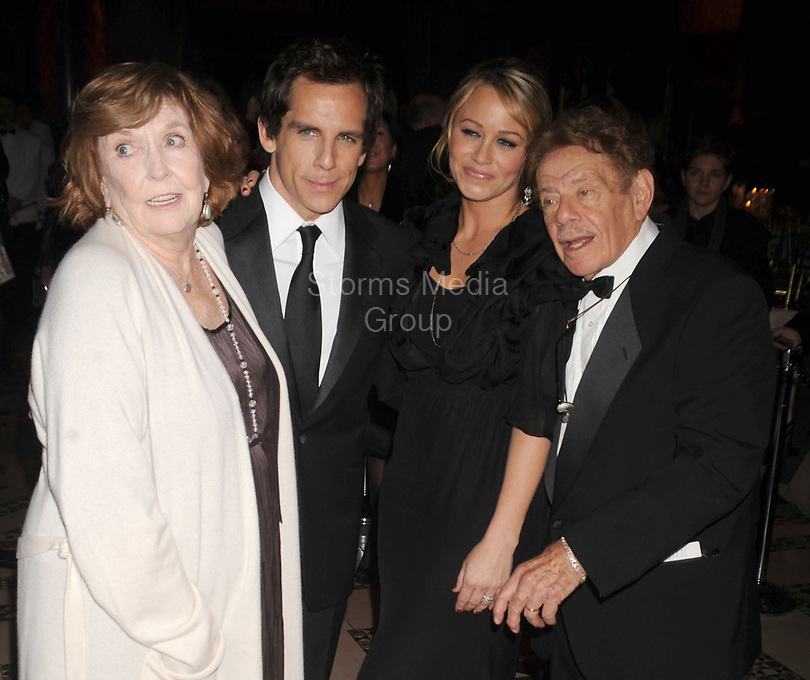 NEW YORK - NOVEMBER 12: Actors Anne Meara, Ben Stiller, Christine Taylor and Jerry Stiller attend the 24th Annual Museum of the Moving Image's salute to Ben Stiller at Cipriani on 42nd Street on November 12, 2008 in New York City<br /> <br /> People:  Anne Meara, Ben Stiller, Christine Taylor and Jerry Stiller