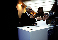 John Diefenbaker en seance d'autographes pour sa biographie le 10 decembre 1977<br /> <br /> PHOTO :   Agence Quebec Presse