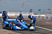Felix Rosenqvist, Chip Ganassi Racing Honda, pit stop