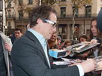 November 19 2017 PARIS FRANCE Arrival of Actor Hugh Grant at the Premiere of Paddington 2 at Olympia on Boulevard des Capucines Paris. He signs autographs.