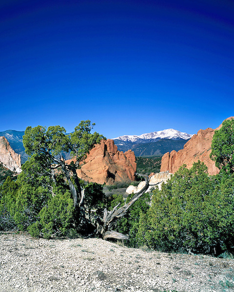 Pikes Peak and Garden of the Gods State Park, Colorado Springs, Colorado, USA