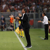 Calcio, Champions League, Gruppo E: Roma vs Barcellona. Roma, stadio Olimpico, 16 settembre 2015.<br /> FC Barcelona's coach Luis Enrique gives indications to his players during a Champions League, Group E football match between Roma and FC Barcelona, at Rome's Olympic stadium, 16 September 2015.<br /> UPDATE IMAGES PRESS/Isabella Bonotto<br /> <br /> *** ITALY AND GERMANY OUT ***