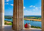 Deutschland, Bayern, Oberpfalz, Donaustauf: Blick von der Walhalla ins Donautal | Germany, Bavaria, Upper Palatinate, Donaustauf: view from Walhalla into Danube Valley