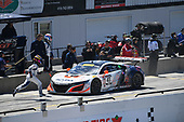 Pirelli World Challenge<br /> Victoria Day SpeedFest Weekend<br /> Canadian Tire Motorsport Park, Mosport, ON CAN Saturday 20 May 2017<br /> Ryan Eversley/ Tom Dyer pit stop<br /> World Copyright: Richard Dole/LAT Images<br /> ref: Digital Image RD_CTMP_PWC17088