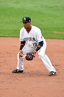 Lake County Captains second baseman Claudio Bautista (10) during a game against the Dayton Dragons on June 8, 2014 at Classic Park in Eastlake, Ohio.  Lake County defeated Dayton 4-2.  (Mike Janes/Four Seam Images)