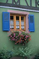 """Europe/France/Alsace/67/Bas-Rhin/Imbsheim: Détail façade Winstub """"S'Batsberger Stulwel"""""""