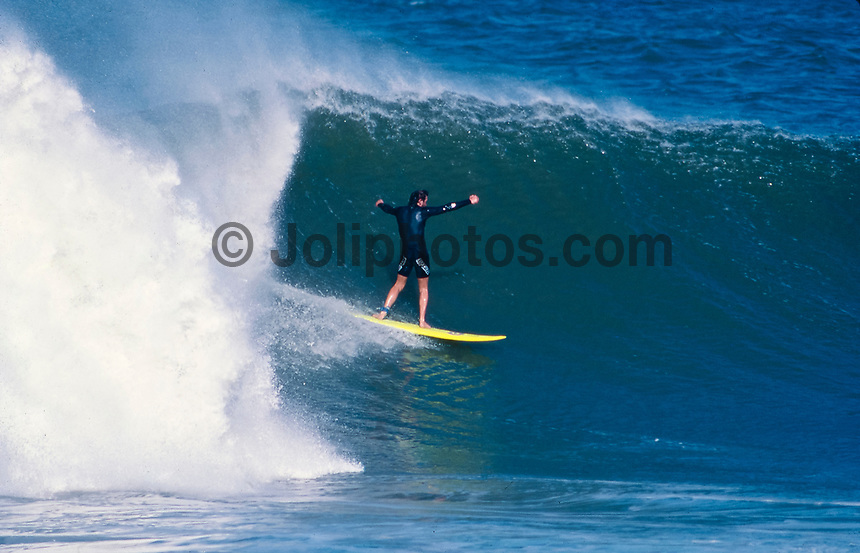 Wayne Lynch (AUS) surfing Mundaka river-mouth during an epic swell in November 1989. Mundaka, Basque Country, Spain. Photo: joliphotos.com