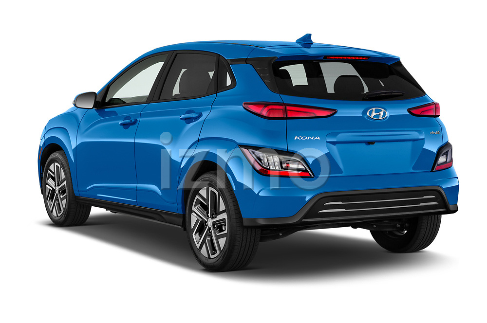 Car pictures of rear three quarter view of 2022 Hyundai Kona-Electric Limited 5 Door SUV Angular Rear