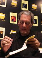 Paul Auster.Madrid 23/2/2012 .Lo scrittore americano Paul Auster presenta il suo nuovo libro a Madrid..Foto Insidefoto / Anatomica Press / Julian Jaen.ITALY ONLY