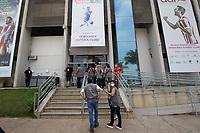 SETE LAGOAS (MG)-11/09/2021-CRUZEIRO-PONTE PRETA - Torcida do Cruzeiro chega a Arena do Jacaré -Partida entre Cruzeiro e Ponte Preta, válida pela vigesima terceira rodada do Campeonato Brasileiro da série B 2021, realizada no Estadio Arena do Jacaré , na cidade de Sete Lagoas, regiao metropolitana de Belo Horizonte, neste sábado (11)