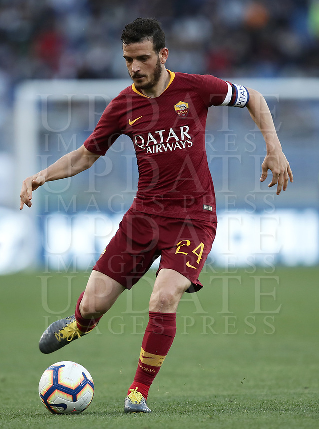 Football, Serie A: AS Roma - Cagliari, Olympic stadium, Rome, April 27, 2019. <br /> Roma's Alessandro Florenzi in action with during the Italian Serie A football match between AS Roma and Cagliari, on April 27, 2019. <br /> UPDATE IMAGES PRESS/Isabella Bonotto