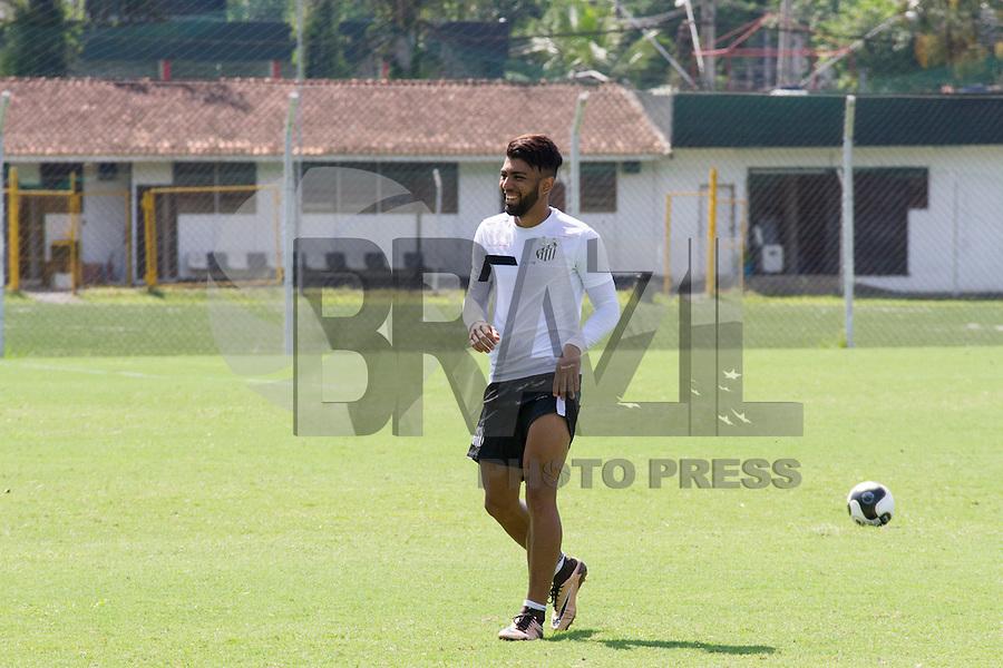 SANTOS, SP, 18.02.2016 - FUTEBOL-SANTOS – Gabriel durante treino do Santos no Centro de Treinamento Rei Pelé, nesta quinta-feira, 18. (Foto: Flavio Hopp/Brazil Photo Press)