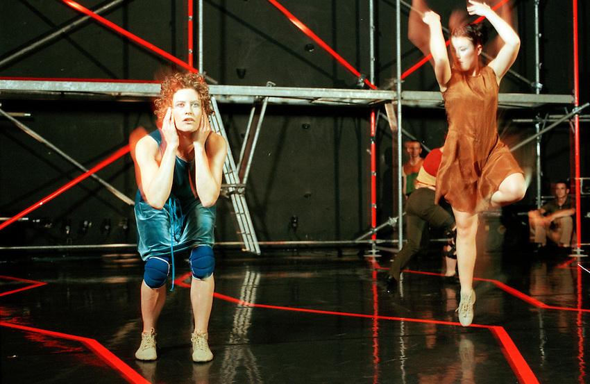2000-Prikazen Transformacija-Sinja Ozbolt-PTL