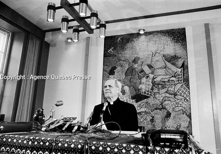 Le Cardinal Paul-Emile Leger s'adresse aux medias,<br /> le 17 Fevrier 1973<br /> <br /> PHOTO  : Agence Quebec Presse - Alain Renaud