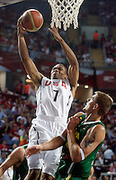 Russel WESTBROOK (USA)  passes Robertas JAVTOKAS (Lithuania)  during the semi-final World championship basketball match against Lithuania in Istanbul, USA-Lithuania, Turkey on Saturday, Sep. 11, 2010. (Novak Djurovic/Starsportphoto.com) .