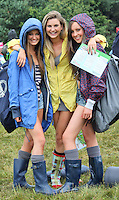 08/07/'10 Etan Keogh, Emily O'Brien and Niamh Murray all from Clontarf pictured arriving at Punchestown, Co. Kildare this evening for the start of the Oxegen Festival 2010...Picture Colin Keegan, Collins, Dublin