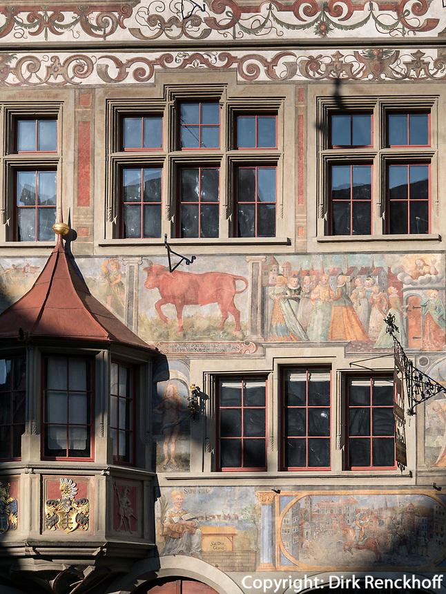 Fassade am Rathausplatz in Stein am Rhein, Kanton Schaffhausen, Schweiz<br /> Murals at Rathausplatz in Stein am Rhein, Canton Schaffhausen, Switzerland