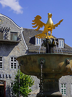 Marktplatz mit Kämmereigebäude und Marktbrunnen, Goslar, Niedersachsen, Deutschland, Europa, UNESCO-Weltkulturerbe<br /> Marketplace with Kämmerei and foutain, Goslar, Lower Saxony,, Germany, Europe, UNESCO Heritage Site