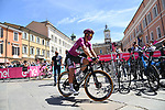 Maglia Ciclamino Peter Sagan (SVK) Bora-Hansgrohe arrives at sign on before the start of Stage 13 of the 2021 Giro d'Italia, running 198km from Ravenna to Verona, Italy. 21st May 2021.  <br /> Picture: LaPresse/Gian Mattia D'Alberto | Cyclefile<br /> <br /> All photos usage must carry mandatory copyright credit (© Cyclefile | LaPresse/Gian Mattia D'Alberto)