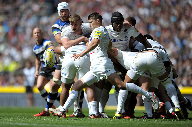 Richard Wigglesworth of Saracens sends up a box kick during the Aviva Premiership Rugby Final between Bath Rugby and Saracens at Twickenham Stadium on Saturday 30th May 2015 (Photo by Rob Munro)