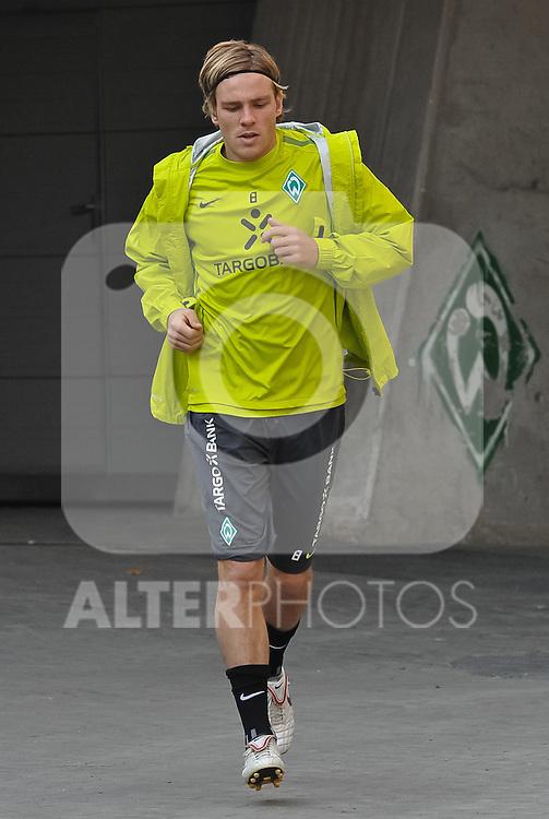 18.10.2010, Trainingsgelaende Werder Bremen, Bremen, GER, 1. FBL, Training Werder Bremen, im Bild Clemens Fritz (Bremen #8)   Foto © nph / Frisch