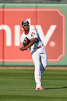 Peoria Chiefs center fielder Magneuris Sierra (34) throws the ball in during a game against the Dayton Dragons on May 6, 2016 at Dozer Park in Peoria, Illinois.  Peoria defeated Dayton 5-0.  (Mike Janes/Four Seam Images)