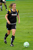 Allison Falk (3) of the Los Angeles Sol. Sky Blue FC and the Los Angeles Sol played to a 0-0 tie during a Women's Professional Soccer match at Yurcak Field in Piscataway, NJ, on June 13, 2009.