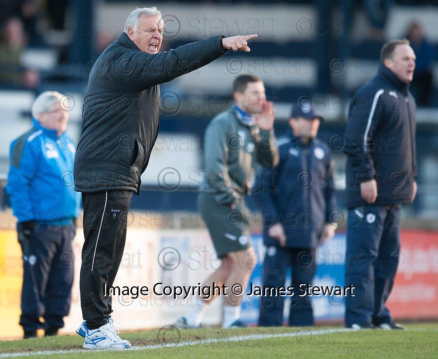 Dunfermline manager Jim Jeffries  ...