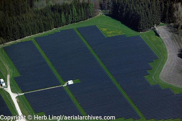aerial photograph solar farm in Bavaria, Germany   Luftaufnahme eines Solarparks in Bayern, Deutschland