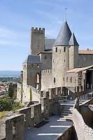 Europe/France/Languedoc-Rousillon/Aude/Carcassonne: les remparts de la Cité depuis le jardin de l'Hotel de la Cité