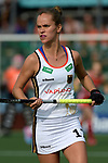 NED - Amsterdam, Netherlands, August 20: During the women Pool B group match between Germany (white) and England (red) at the Rabo EuroHockey Championships 2017 August 20, 2017 at Wagener Stadium in Amsterdam, Netherlands. Final score 1-0. (Photo by Dirk Markgraf / www.265-images.com) *** Local caption *** Jana Teschke #17 of Germany