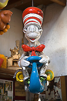 DR SUESS' THE CAT IN THE HAT inside the MACY'S STUDIO workshop - NEW YORK CITY