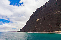Kaholo Pali sea cliff , 194 feet (59.13m) high, South Lāna'i, Lāna'i aka Pineapple Island because of its past as an island-wide pineapple plantation of Dole, the sixth-largest island of the Hawaiian Islands, Hawaii, USA, Pacific Ocean