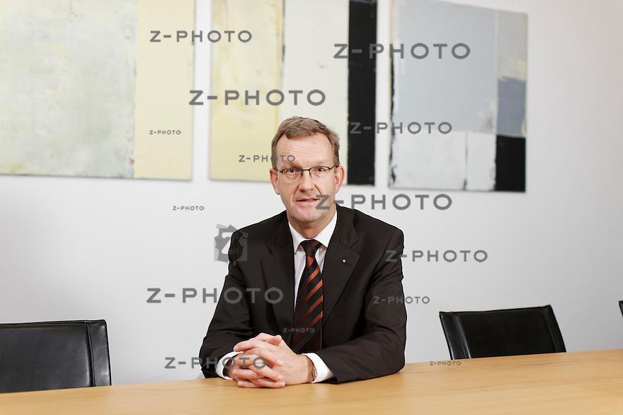 Portrait von Werner Schiesser BDO AG Leiter Region Zuerich-Ostschweiz, im Hauptsitz an der Fabrikstrasse 50 in Zuerich am 15. November 2010<br /> <br /> Copyright © Zvonimir Pisonic
