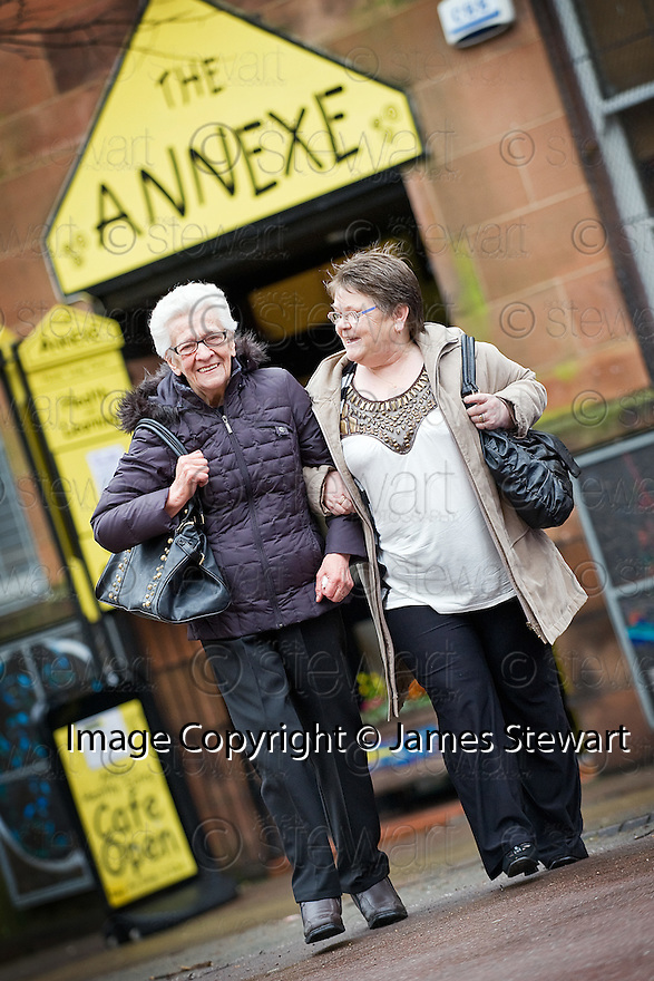::  BIG LOTTERY FUND :: THE ANNEXE CONNECTS PROJECT WHICH TODAY RECEIVED AN AWARD OF £275,597 FROM THE BIG LOTTERY FUND ::  BETTY WATTERS AND BRENDA CHALMERS AFTER ENJOYING THEIR DAY AT THE ANNEXE CENTRE ::
