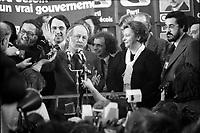 Rene Levesques et le PQ remportent l'election du 15 novembre 1976 au Centre Paul-Sauve.<br /> <br /> <br /> PHOTO : Agence Quebec Presse - Alain Renaud
