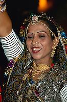 Tänzerin in Jaisalmer (Rajasthan), Indien