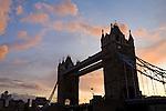 Grossbritannien, England, London: Tower Bridge, letztes Tageslicht | Great Britain, England, London: Tower Bridge at sunset