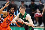 Liga ENDESA 2020/2021. Game: 11.<br /> Club Joventut Badalona vs Valencia Basket: 80-91.<br /> Louis Labeyrie vs Conor Morgan.