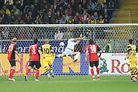 Markus Proell (Eintracht) wird ueberwunden<br /> Eintracht Frankfurt vs. Borussia Dortmund, Commerzbank Arena<br /> *** Local Caption *** Foto ist honorarpflichtig! zzgl. gesetzl. MwSt. Auf Anfrage in hoeherer Qualitaet/Aufloesung. Belegexemplar an: Marc Schueler, Am Ziegelfalltor 4, 64625 Bensheim, Tel. +49 (0) 6251 86 96 134, www.gameday-mediaservices.de. Email: marc.schueler@gameday-mediaservices.de, Bankverbindung: Volksbank Bergstrasse, Kto.: 151297, BLZ: 50960101