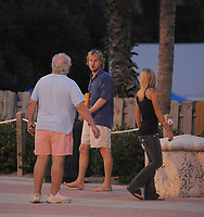 MIAMI BEACH, FL - DECEMBER 08, 2007 (EXCLUSIVE COVERAGE)  Actor Owen Wilson takes a walk on the boardwalk with an unidentified petite blonde woman. As soon as Owen spotted the Paparazzi he immediately split from the girl, and they both ran in different directions, only to hook up 15 minutes later at another location on Miami Beach, Florida<br /> <br /> <br /> People:  Owen Wilson