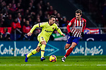 Arthur Melo of FC Barcelona (L) in action against Antoine Griezmann of Atletico de Madrid (R) during the La Liga 2018-19 match between Atletico Madrid and FC Barcelona at Wanda Metropolitano on November 24 2018 in Madrid, Spain. Photo by Diego Souto / Power Sport Images