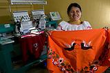 Taller de bordado de ropas tipicas construido con la cooperacion de la empresa Lafarge Cementos en Otavalo, Ecuador..