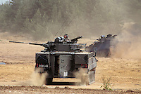 "- Royal Army, infantry armoured fighting vehicle ""Warrior""....- Royal Army, veicolo corazzato da combattimento per fanteria ""Warrior"""