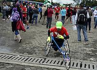 BOGOTÁ -COLOMBIA. 10-11-2013. We Run Bogotá 10k 2013 se cumplió con un recorrido de 10 km por las calles de la ciudad y terminó en el parque Metropolitano Simón Bolívar./  We Run Bogota 10k 2013 the race was met with a distance of 10km for the streets of the city and finished in the Metropolitano Simon Bolivar park. Photo: VizzorImage/ Ericka Rozo/ Str