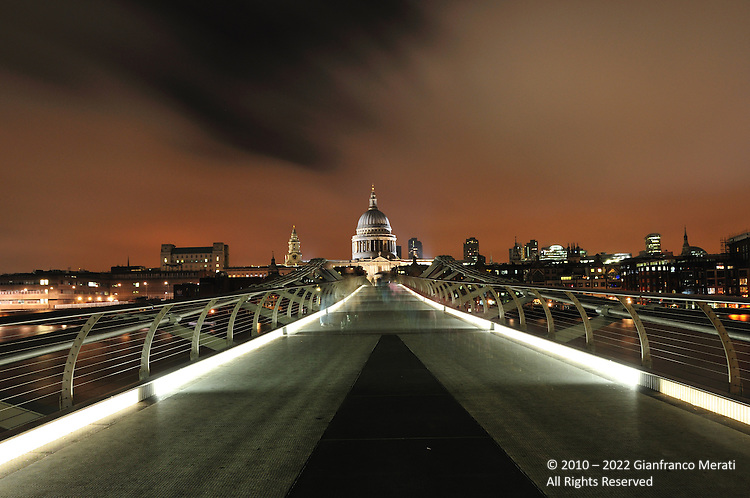 St. Paul's Cathedral in London, UK.